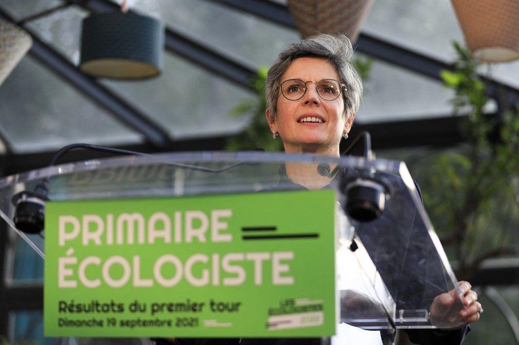 Lat candidate à la primaire écologiste Sandrine Rousseau s'exprime après la présentation des résultats du premier tour, le 19 septembre 2021, à Paris.