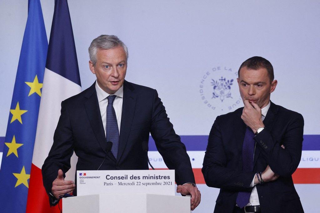 Le ministre français de l'Économie et des Finances, Bruno Le Maire, et le ministre de l'Action publique, Olivier Dussopt, à l'issue du Conseil des ministres, le 22 septembre 2021.