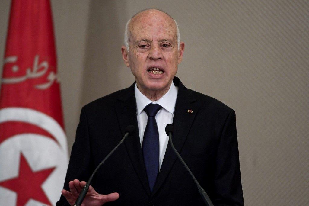 Le président tunisien Kaïs Saïed s'exprime lors de la cérémonie de prestation de serment du nouveau gouvernement au palais de Carthage, à la suite d'un vote de confiance du parlement, le 2 septembre 2020.