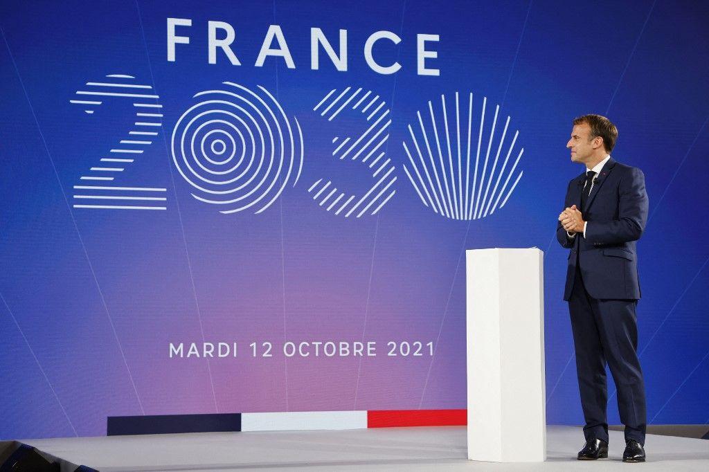 Emmanuel Macron lors de la présentation du projet France 2030, depuis l'Elysée.