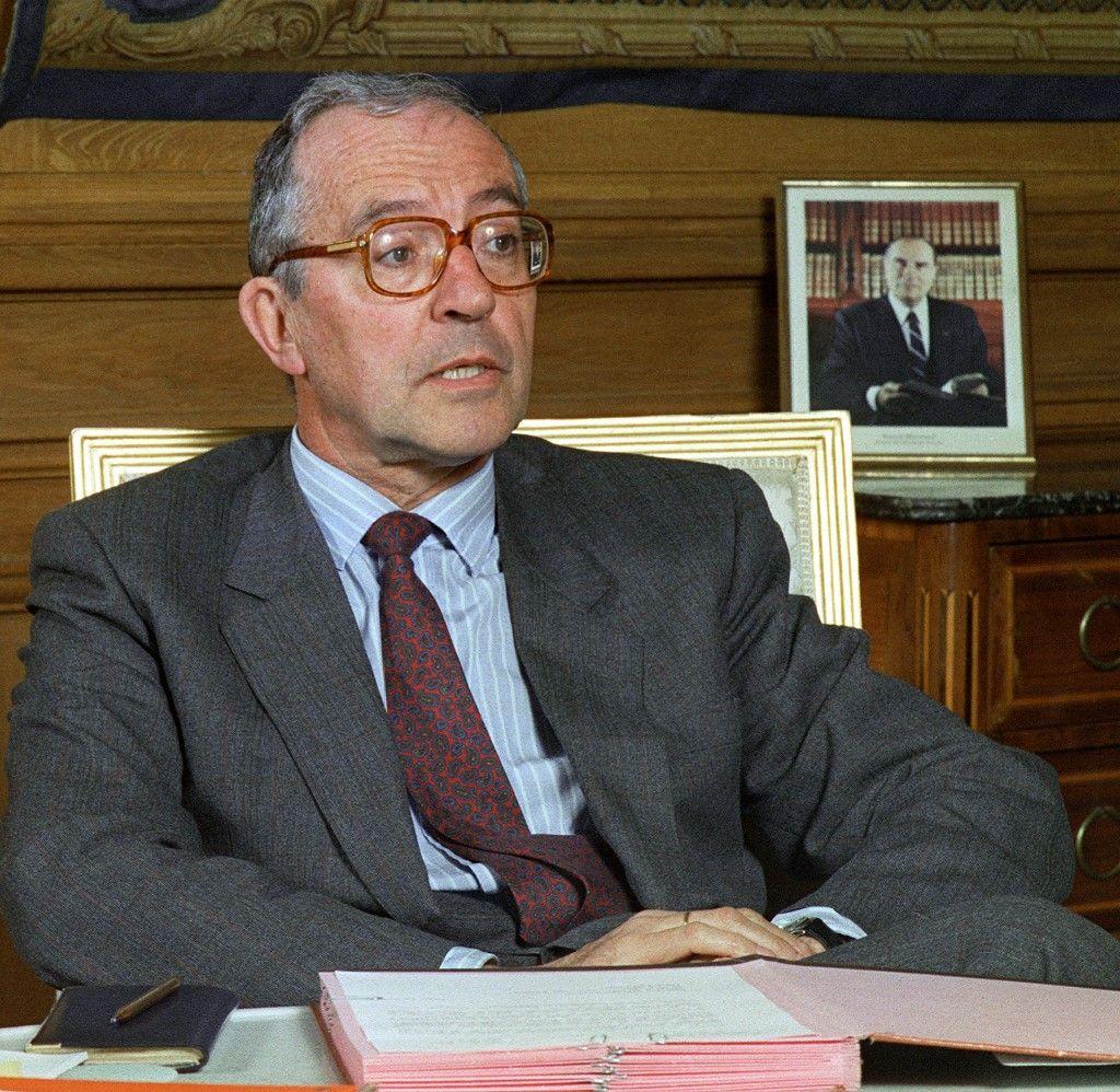 Portrait pris le 06 juin 1988 à Paris de Roger Fauroux, ministre de l'Industrie.