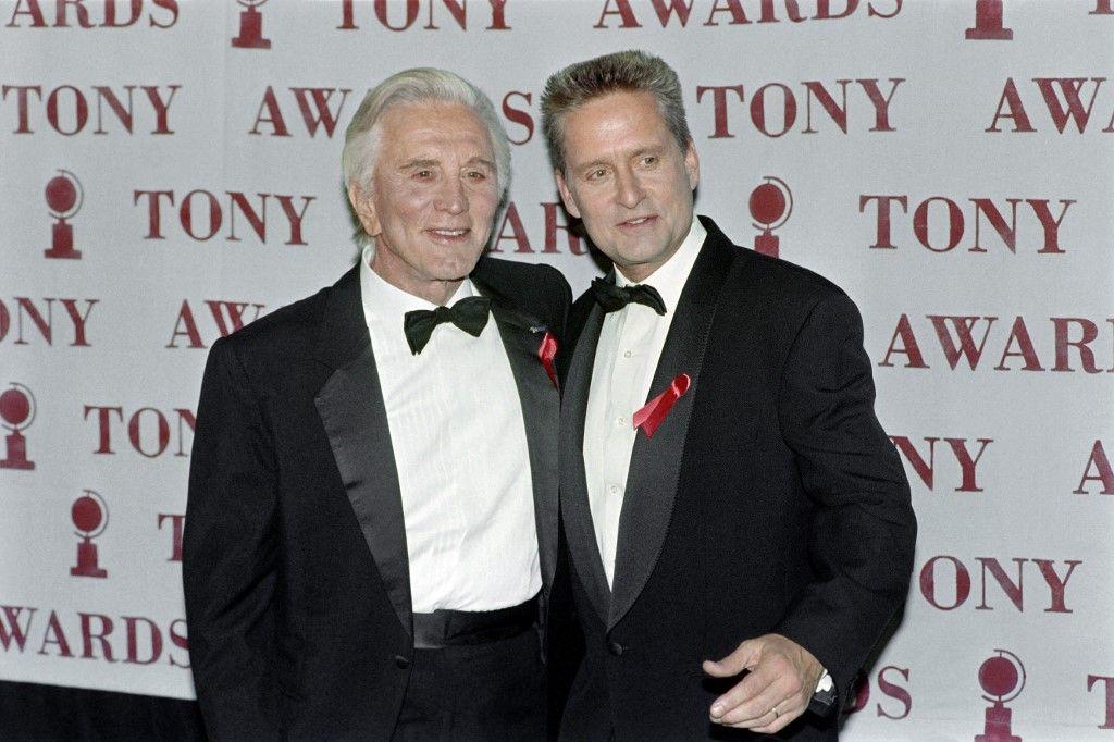 Michael Douglas rend un hommage émouvant à son père Kirk Douglas, décédé à l'âge de 103 ans