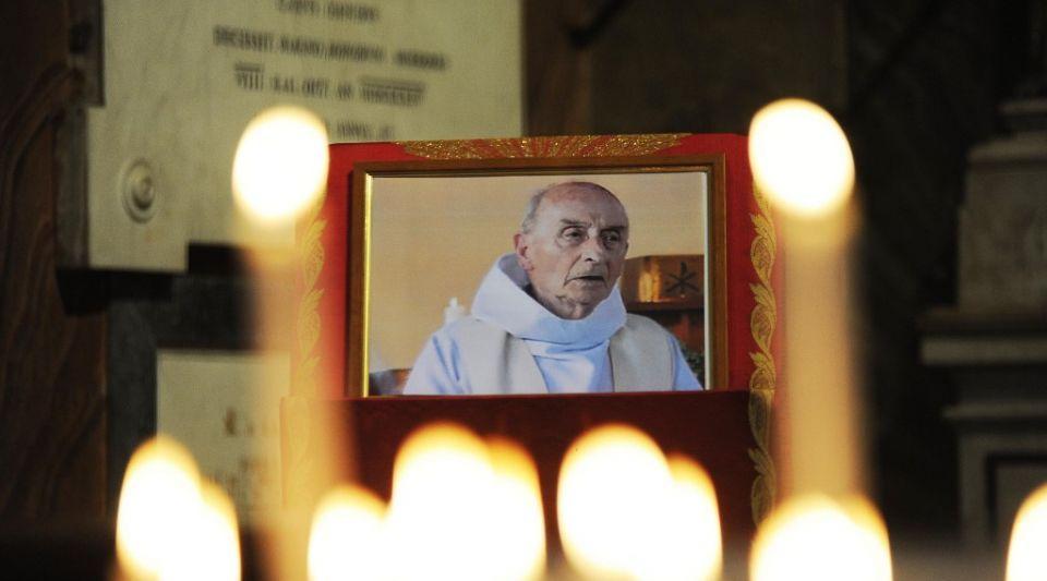 Saint-Etienne-du-Rouvray rend hommage au père Hamel, 4 ans après son assassinat par des islamistes