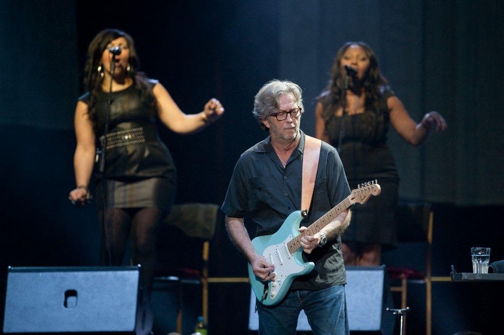 Le guitariste britannique Eric Clapton lors d'un concert à Hong Kong, le 18 février 2011.