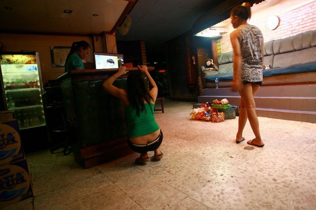 Des travailleuses du sexe à Surabaya (Indonésie) en 2014, avant la criminalisation de leur activité.