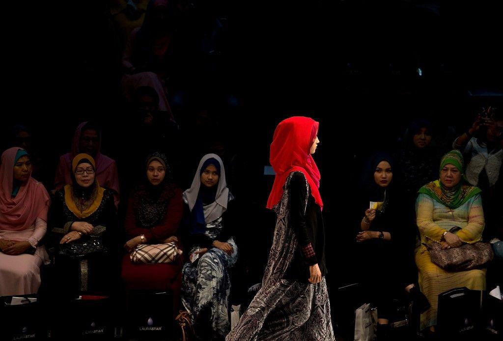 """Polémique en Allemagne avec une exposition sur la """"mode musulmane contemporaine"""""""