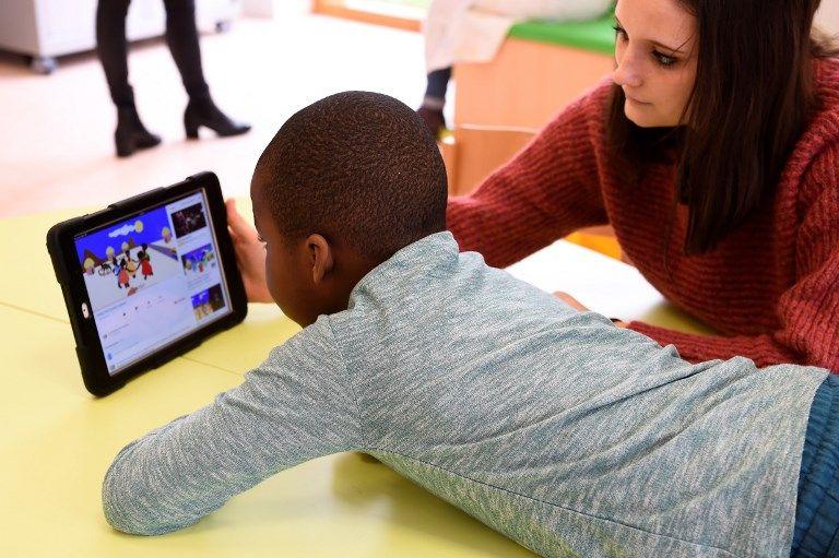 Regarder un écran modifie le cerveau des enfants