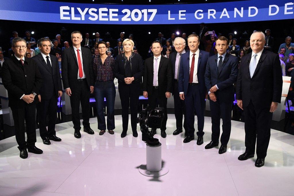 Les candidats à l'élection présidentielle de 2017 - Jean-Luc Mélenchon, François Fillon, Jean Lassalle, Nathalie Arthaud, Marine Le Pen, Benoît Hamon et Emmanuel Macron - avant un débat télévisé.