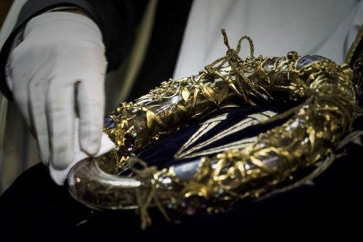 Incendie à Notre-Dame de Paris : les minutes décisives pour sauver les saintes reliques