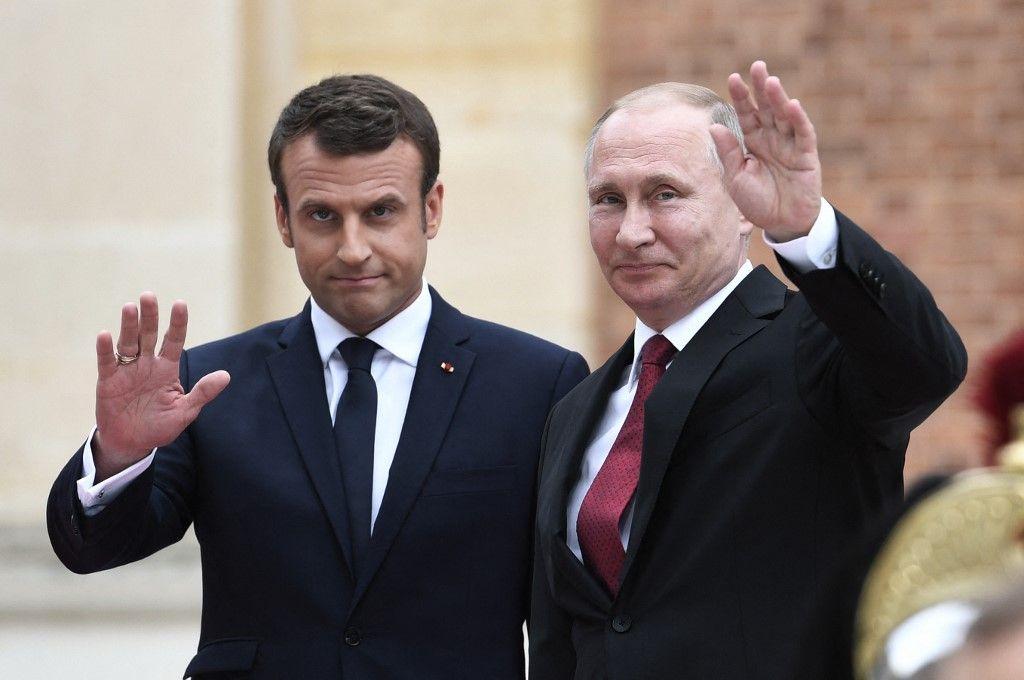 Le président russe Vladimir Poutine et le président français Emmanuel Macron au château de Versailles, le 29 mai 2017.