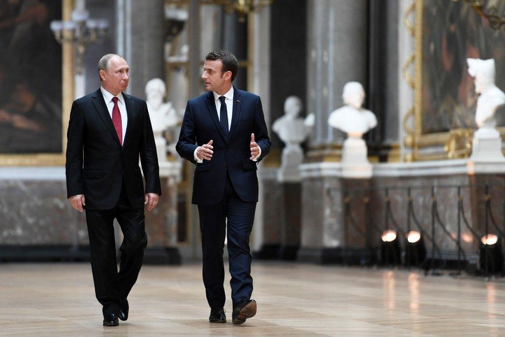 Pourparlers avec Vladimir Poutine : Macron «confiant» des progrès dans les relations avec la Russie