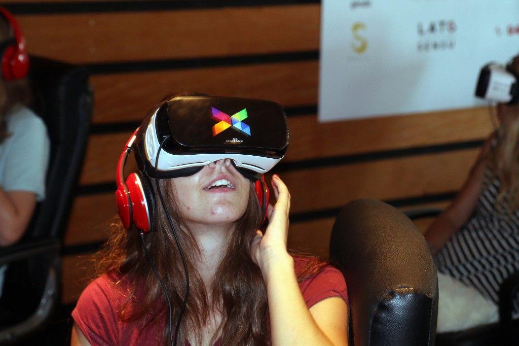 réalité virtuelle casque technologie éducation santé formation entreprise aide réalité augmentée