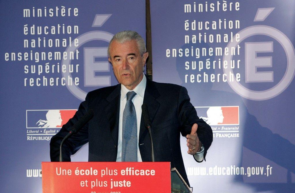 L'ancien ministre de l'Education, Gilles de Robien, le 22 mars 2007, à son ministère à Paris, lors d'une conférence de presse.