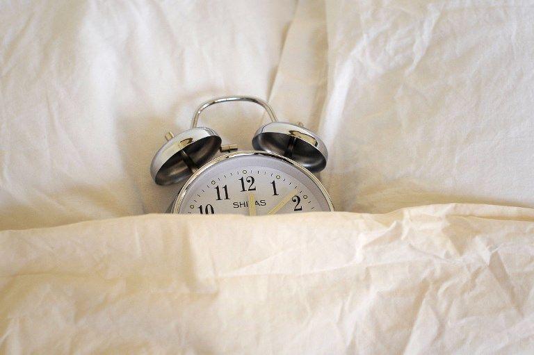 Couchés plus tôt ou plus tard...? Ce que nos habitudes du confinement nous enseignent sur l'impact prévisible du couvre-feu