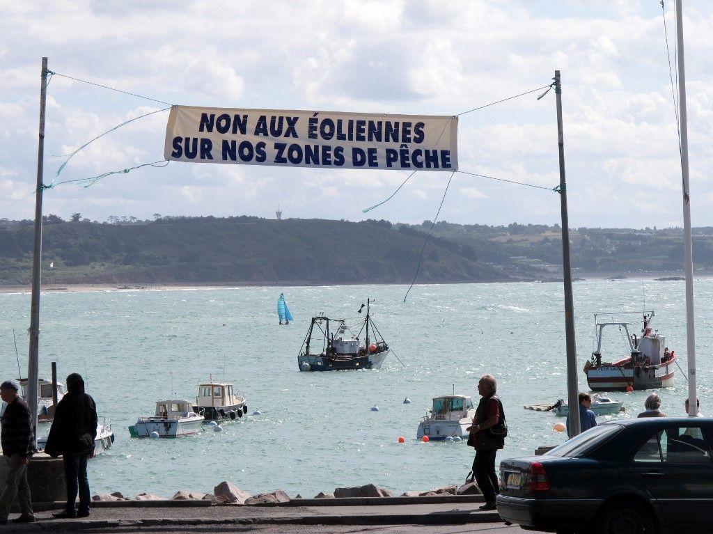 éolienne en mer zone de pêche erquy