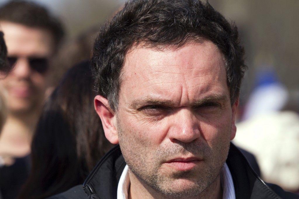 Paris Première décide d'arrêter l'émission de Yann Moix après la polémique sur les textes et les dessins antisémites