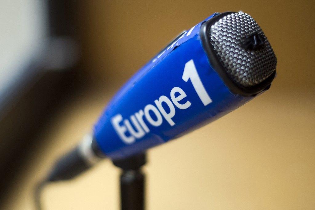 Une photo prise dans un studio d'enregistrement de la radio Europe 1, le 26 mars 2013, au siège de la radio à Paris.