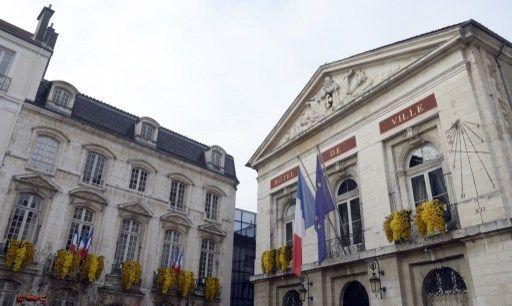 Les femmes, ça coûte cher : le maire (PS) de Bourg-en-Bresse en a eu pour 90 000 euros !