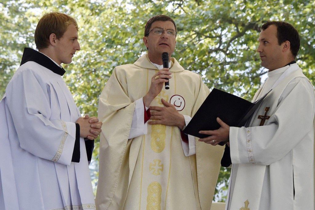 Le chemin intérieur des prêtres face à la crise des vocations