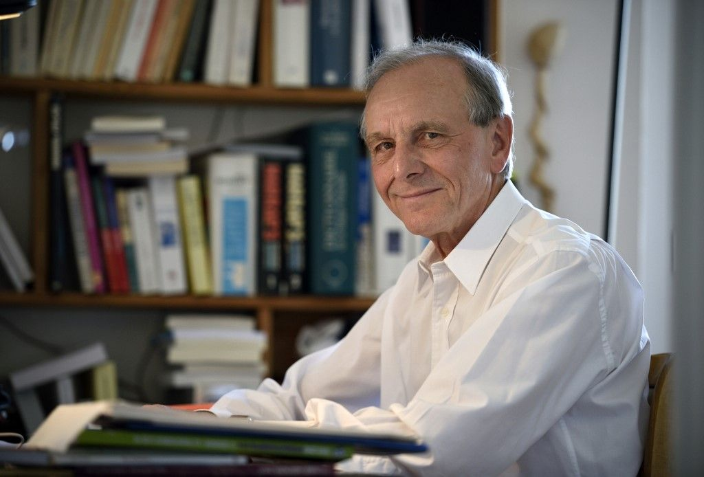 """Axel Kahn estime qu'isoler les personnes les plus fragiles après le 11 mai serait """"inconstitutionnel"""""""