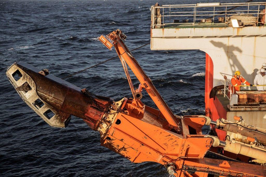 Une machine géante à chenilles utilisée pour draguer les fonds marins à la recherche de minéraux.