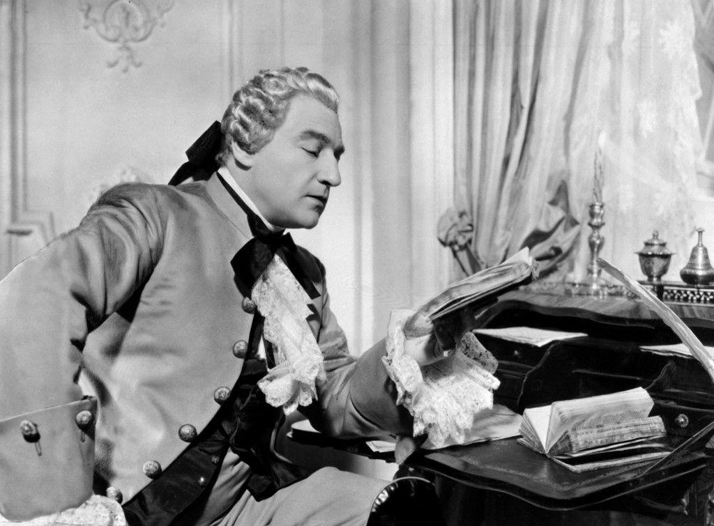 Sacha Guitry dans une pièce de théâtre, le 16 juin 1938.