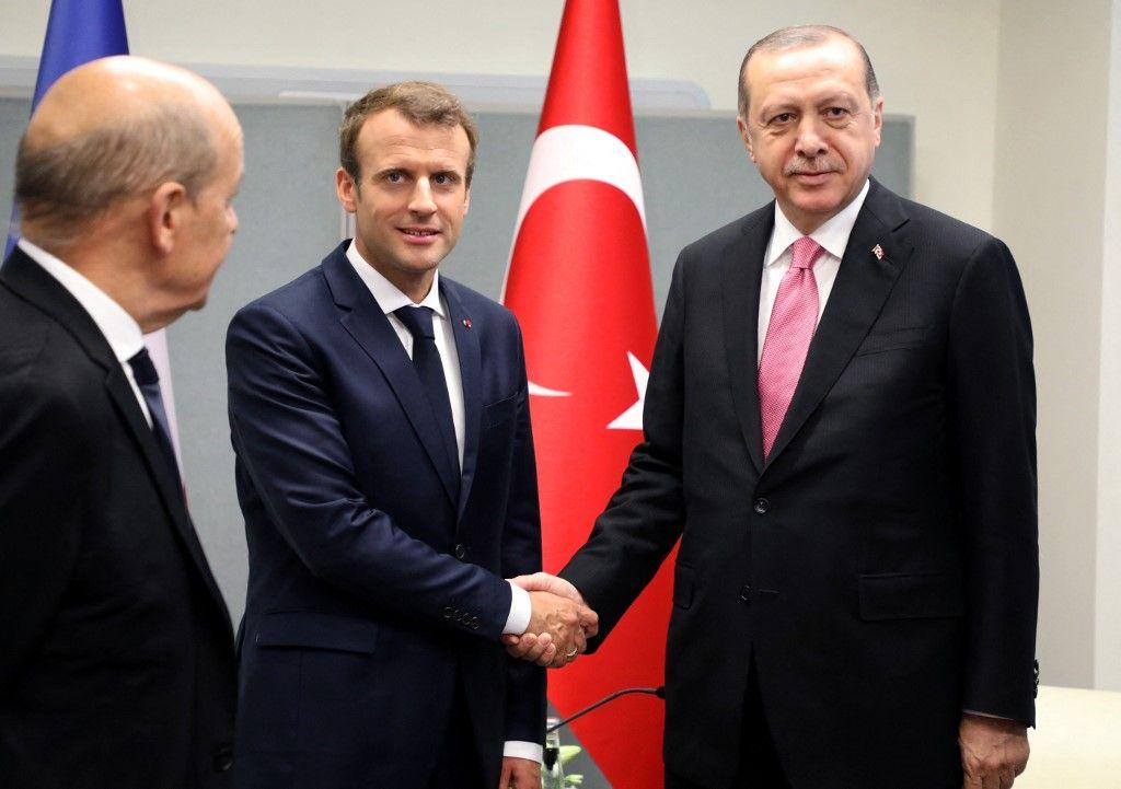 Emmanuel Macron rencontre Recep Tayyip Erdogan au siège des Nations Unies à New York le 19 septembre 2017, lors de la 72e Assemblée générale des Nations Unies.