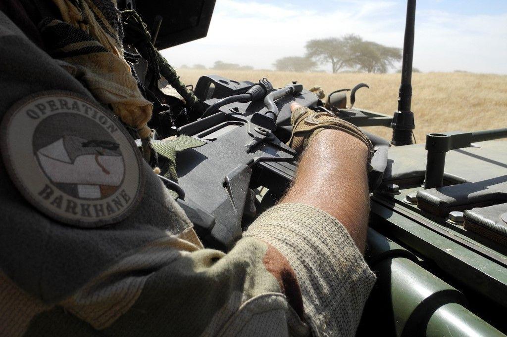 Un soldat de l'opération Barkhane en pleine mission.