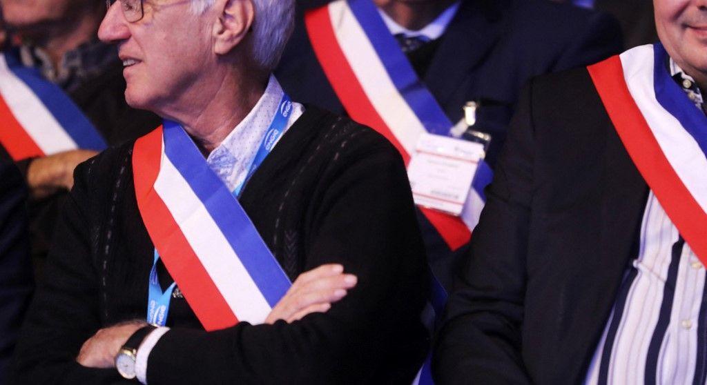 Des élus locaux assistent au 100e congrès des maires de France, le 21 novembre 2017, à Paris.