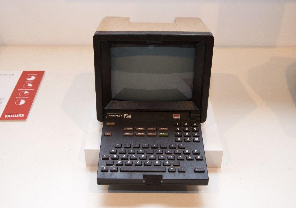 Le Minitel, précurseur français d'Internet, est exposé au Museum of Failure à Los Angeles le 7 décembre 2017.