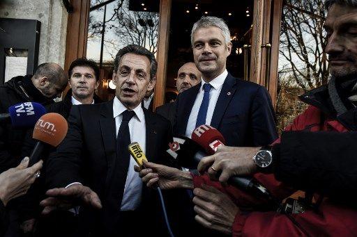 """Nicolas Sarkozy estime qu'il """"n'y a plus de droite en France"""" après la défaite aux Européennes"""