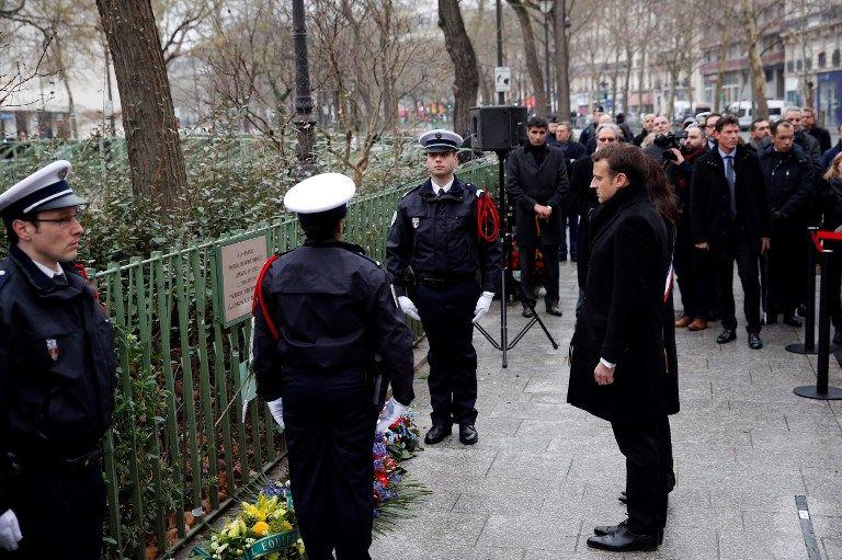 La plaque en mémoire à Ahmed Merabet a été retirée par les services culturels de la ville de Paris