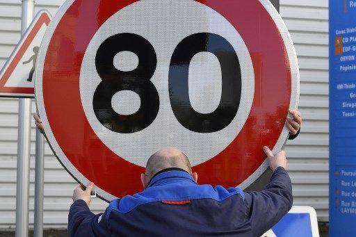 """Le gouvernement réfléchit à une application moins """"brutale"""" des 80 km/h"""