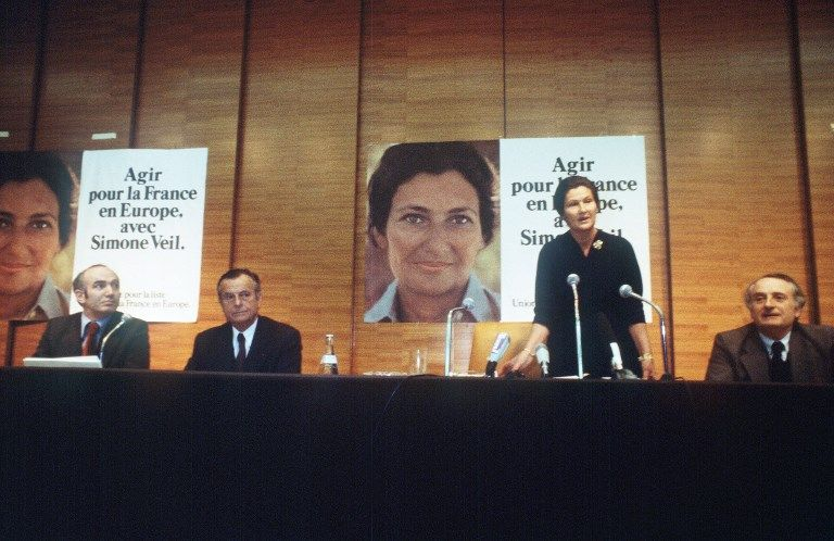 Et Simone Veil entra au Panthéon au moment même où l'UDF fut dévitalisée par Emmanuel Macron