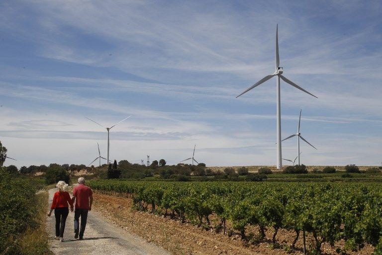Corruption, lobbyisme et financement d'associations : le tiercé gagnant des fabricants d'éoliennes pour asseoir leur légitimité