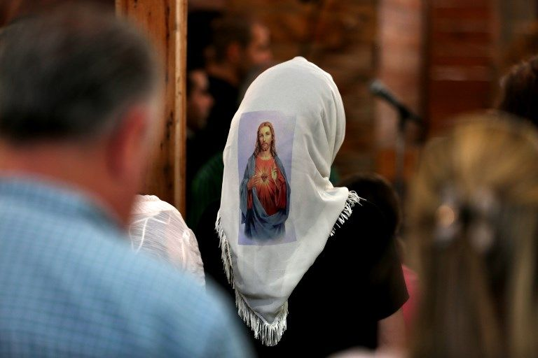 Eh oui la maman de Castaner portait le voile catholique !