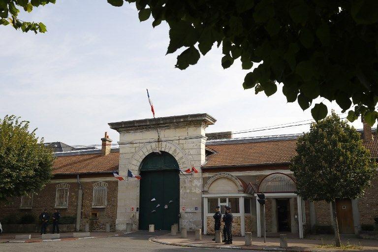 Des téléphones portables découverts dans la cellule d'un détenu inculpé pour terrorisme