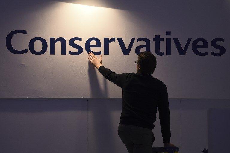 Les partis historiques de la Grande-Bretagne sont menacés de disparaître