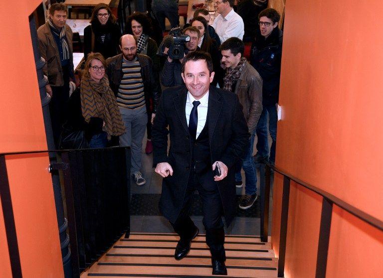 Benoit Hamon assure que la courbe du chômage s'est inversée