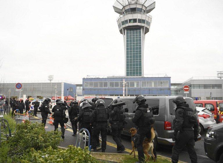 L'aéroport d'Orly, avec 7.343.000 de passagers, est le premier aéroport en matière de trafic des compagnies low-cost