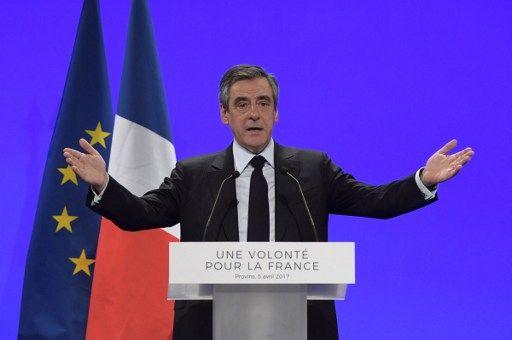 """François Fillon : """"Je suis le seul qui ait autre chose à proposer à la France qu'un écran de fumée ou un statu quo déplorable"""""""