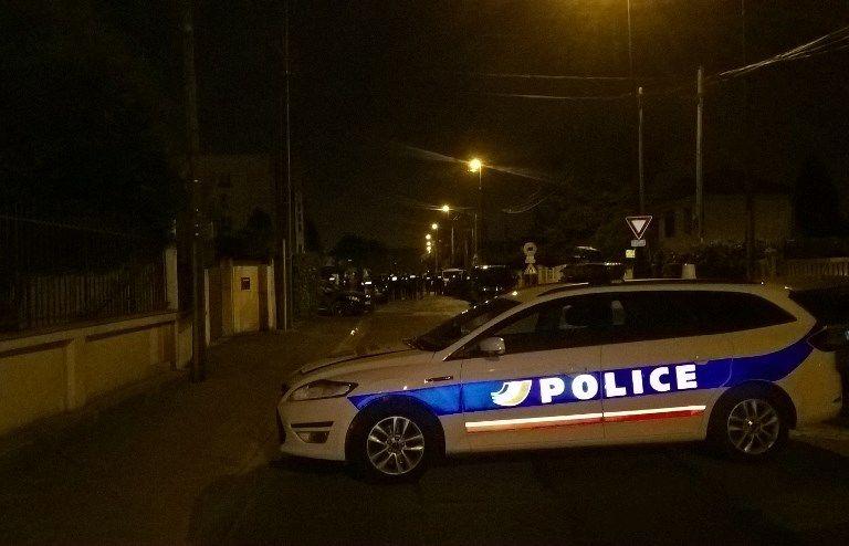 """Couple de policiers agressé en Seine-et-Marne. Et Macron utilisa (enfin) le mot juste : """"des voyous"""" !"""