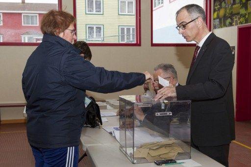 Une votante à Saint-Pierre, ce samedi.
