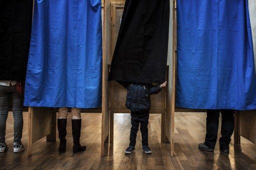 Élections législatives 2017 : 53% des Français choisiraient l'abstention au second tour, un record