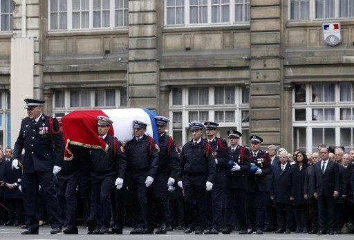 Attentat sur les Champs-Élysées : un an après, Emmanuel Macron rendra hommage à Xavier Jugelé