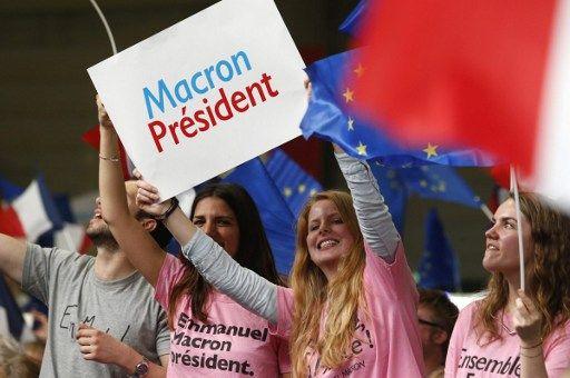 """""""Face à l'obscénité du Front national"""", Emmanuel Macron veut """"refonder le pays"""""""