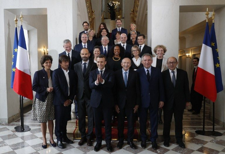 """Décontracté, ouvert...mais au fond lui seul décide : le jour où Emmanuel Macron a choisi son gouvernement pour être """"Jupiter"""""""