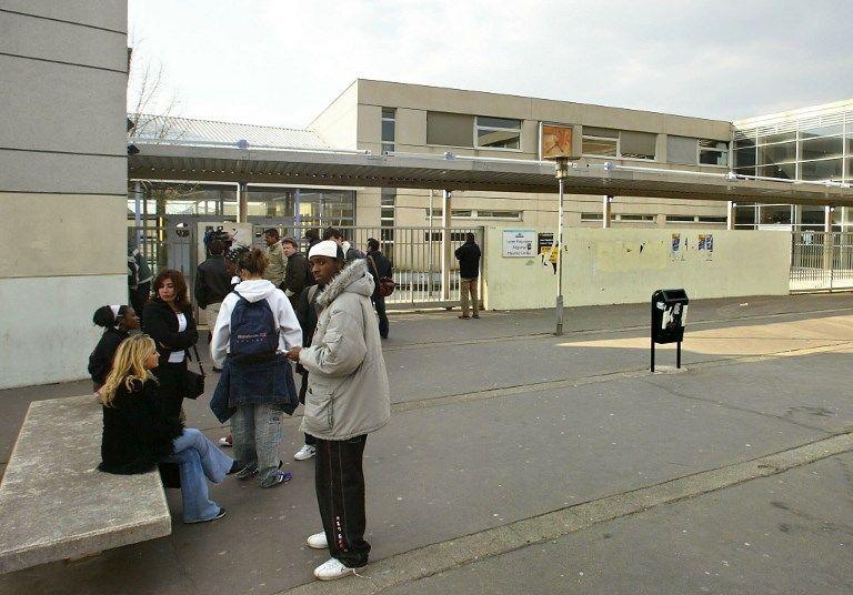 Les enseignants exercent leur droit de retrait, les élèves manifestent au lycée de Stains après des violences