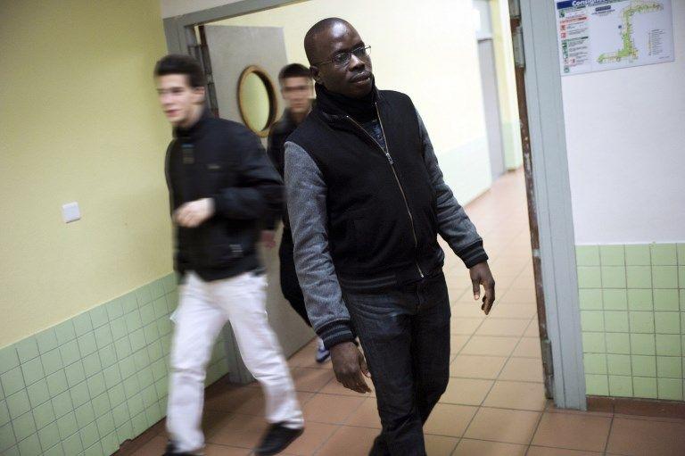 Police dans les écoles : comment la culture d'un bon nombre de profs a produit la situation dont ils se désolent aujourd'hui