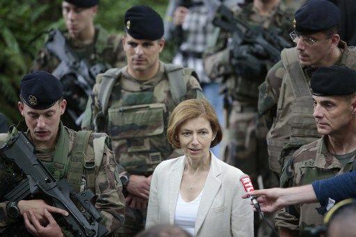 """La France et l'Allemagne condamnent """"une stratégie d'intimidation"""" de la Russie"""